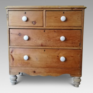 Victorian Pine chest of Drawers thumbnail