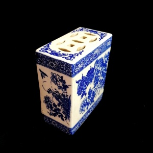 Antique Qing Dynasty Chinese Blue and White Opium Pillow thumbnail